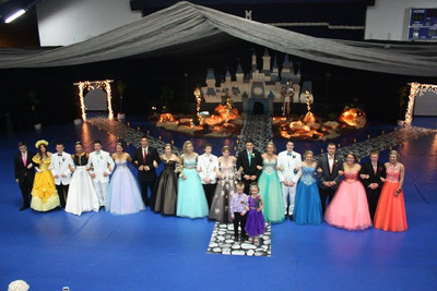 Prom 2016 - Photo Number 2